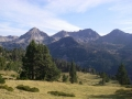 24  Neouvielle pyrenees lake district guided mini trek