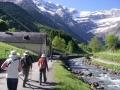pyrenees-taster-walking-gavarnie-1