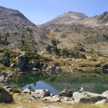 Lac de Madamete on a Pyrenees walking holiday